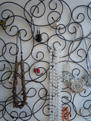 Pin-speration: Wall Art into Jewelry Display